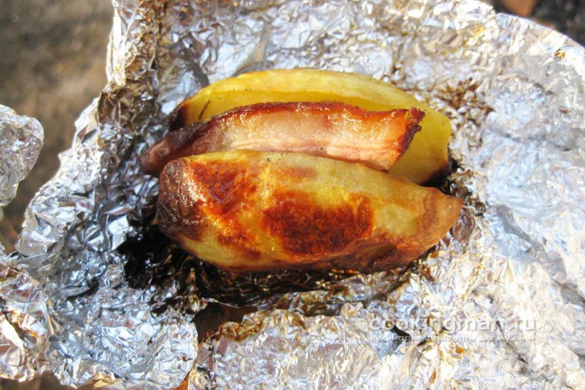 картошка с салом запеченная в духовке в фольге