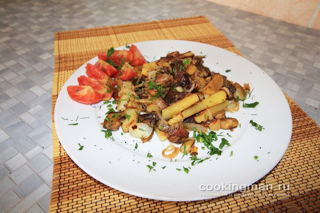 Картошка жареная с белыми грибами