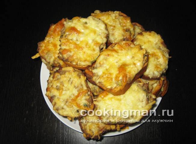 Бутерброды в духовке с сайрой и сыром рецепт