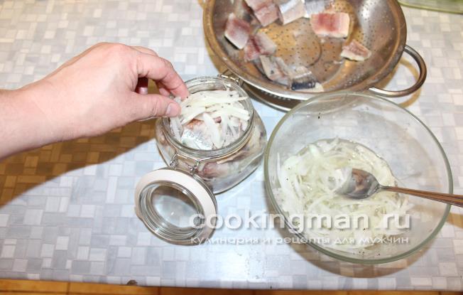 селедка с уксусом и луком