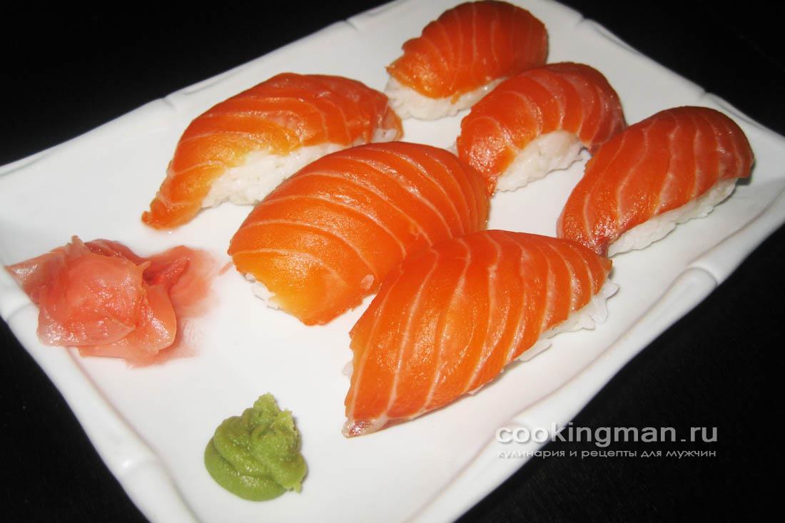 Суши с лососем (нигири суши - сяке)